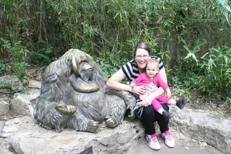 Tirzah Mae and Mama with an Orangutan statue