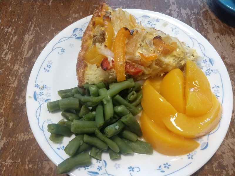 Frittata with green beans and peaches